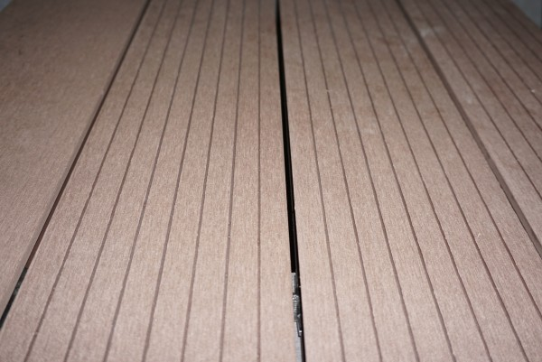 20 x 140 mm WPC Nature Deck Hohlk. BASIC Mahagoni (braun)